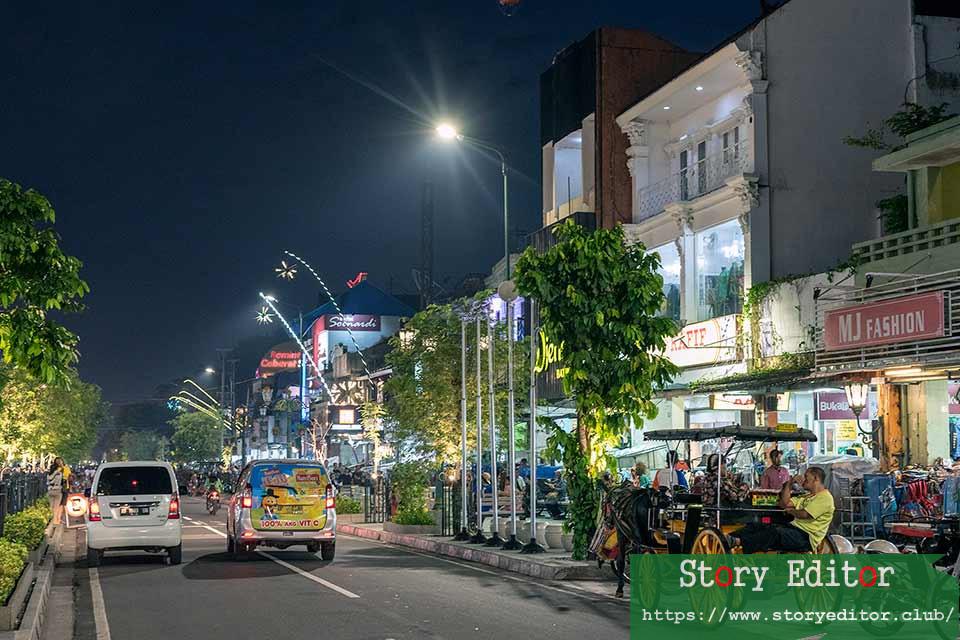 Malioboro Street at night, Yogyakarta (Java, Indonesia)
