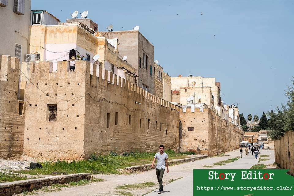 Walls next to the Jewish quarter of Fez (Morocco)