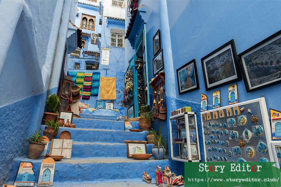 Staircase with souvenirs in the medina of Chefchaouen (Morocco)