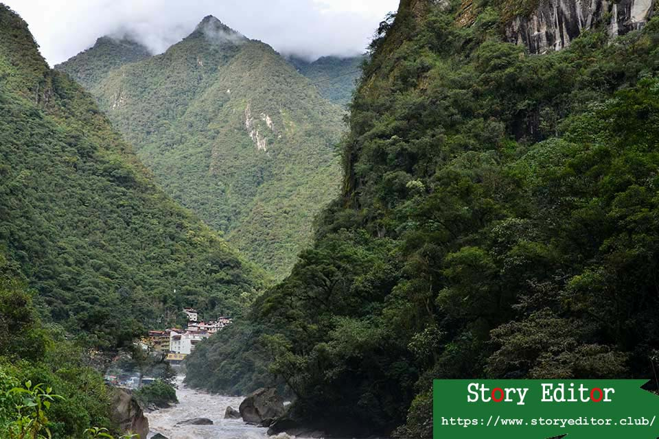 Hot waters from afar.  Road to Machu Picchu
